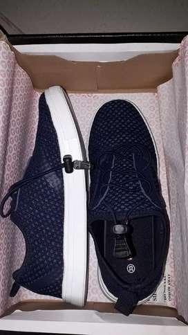 Dijual sepatu AirWalk ORIGINAL  100%, dijual karena salah beli ukuran.