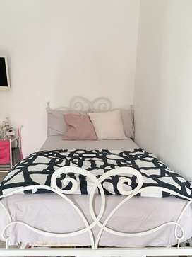 Tempat tidur + nakas+kasur