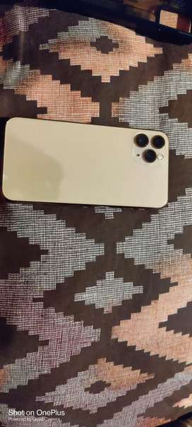 Iphone 11 pro 64 gb gold  10 months old