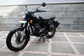 Royal Enfield Classic 500 Stealth Black 2018 Injection