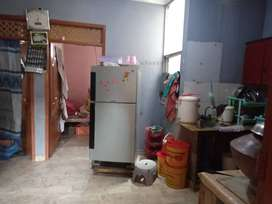 Portion floor 84 square yard with gas and electric meter