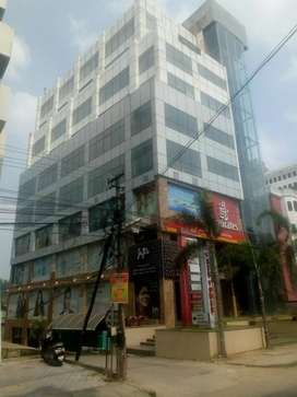 For rent 4700 sqft on 6th floor at prime location with all amenities