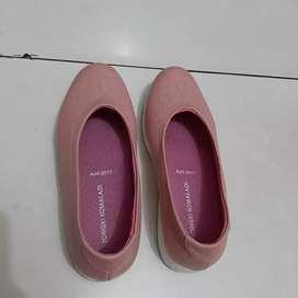 Sepatu cewek sepatu wanita wedges heels sepatu sport sepatu natal