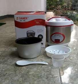 Penanak nasi 'Sanex' kapasitas 1 liter