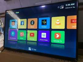 32 inch smart LED TV // full HD 4K display // 1 year warranty