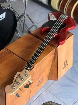 Bass Elektrik Fender Jazz Custom Good Playbility