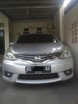 Nissan Grand Livina XV 2014 M/T