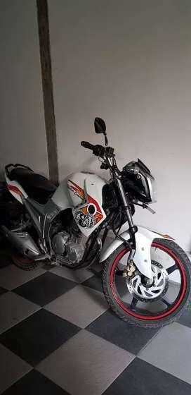 Yamaha scorpio 225 cc