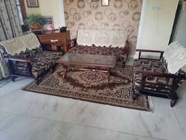 Sofa 7 seater with center table