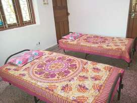 BEDS ARE AVAILABLE ONLY FOR WORKING MEN IN HARMU HOUSING COLONY,RANCHI