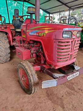 Mahindra sarpanch 475