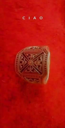 Silver ring.      چاندی کی انگوٹھی.
