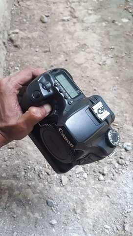 Canon 40D + lensa kit mulus siap pakai