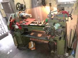 Lathe machine 4.5ft long, center height 7inch with accessories