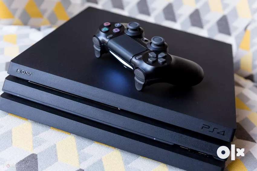 Ps4 pro 1tb very good condition with 0