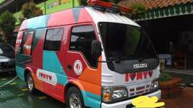 Isuzu elf 2.8 turbo ambulance medis 2012 putih lengkap istimewa antik