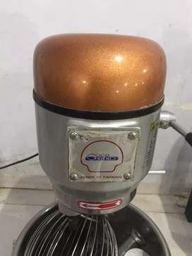 Mixer kapasitas 5 kg