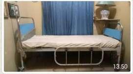 Tempat tidur rumah sakit bisa rubah