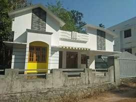8cent. Three bedroom house. 2bathroom.ealamkunne.charch.near.madappaey