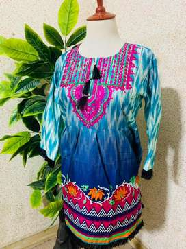Lown Embroidery frok