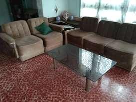Sofa sudut coklat