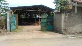 Rumah dan gudang