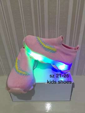 Sepatu anak anak import led ket size ada digambar