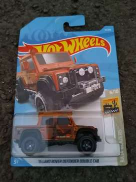 hotwheels land rover defender double cab