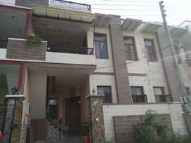 Beautiful house in Darshan Singh Nagar for sale.