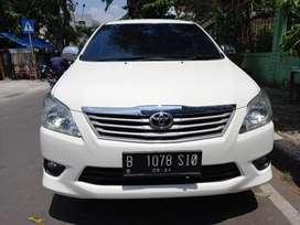 Innova J manual bensin 2014 putih