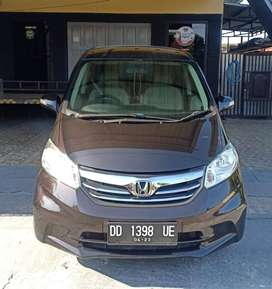 Honda Freed 2013 PSD hitam mulus Like New