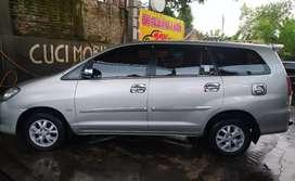 Kijang Innova 2011 istimewa milik pribadi warna silver