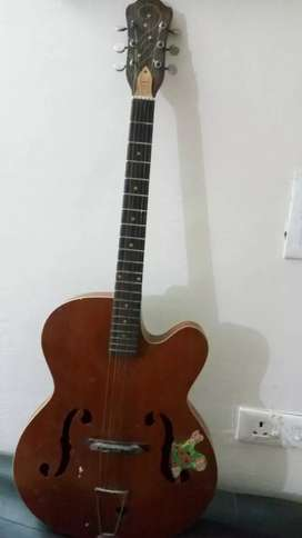 Acoustic Guitar Givson