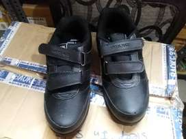 Kid shoes for school in stock sale