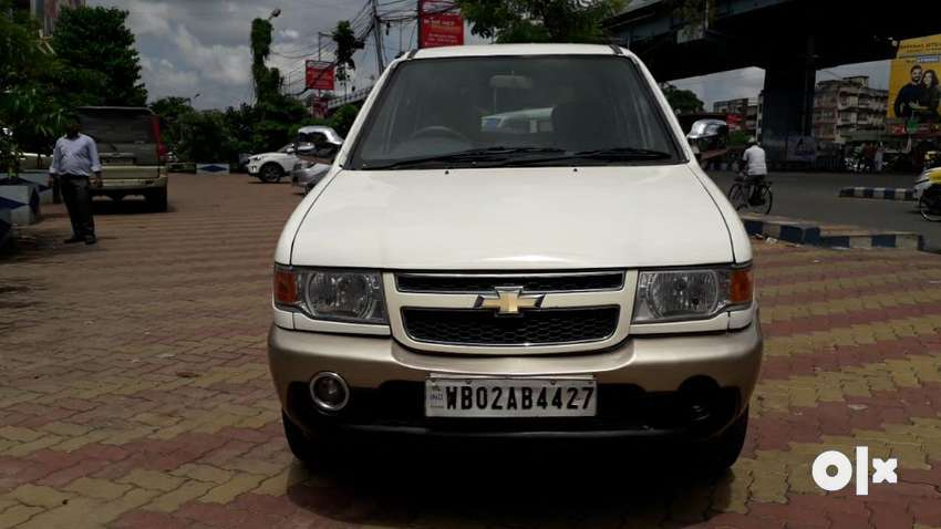 Chevrolet Tavera Neo 3 LT- 9 STR BS-IV, 2012, Diesel 0