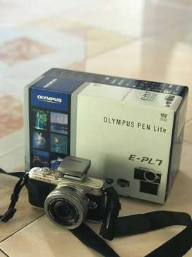 OLYMPUS E-PL7 PEN Lite LIKE NEW!!!