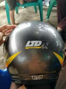 Helm LTD warna silver