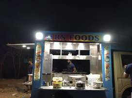 FOOD TRUCK WITH GOOD CONDITION WITH all EQUIPMENTS