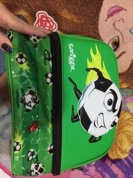 Lunch box Smiggle dual square soccer original