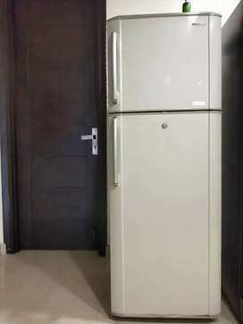 Selling my samsung fridge..great condition..315 ltr.