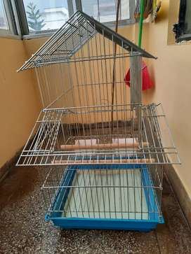 A VERY GOOD CONDITION PARROT CAGE