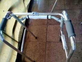 Walker tanpa roda/alat bantu jalan leter u/ tongkat bantu kaki leter u