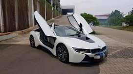 Bmw i8 2016 white , hybrid, km 8000 harga nego