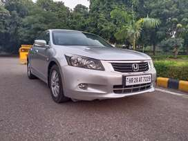 Honda accord  in mint condition uh can come and drive.