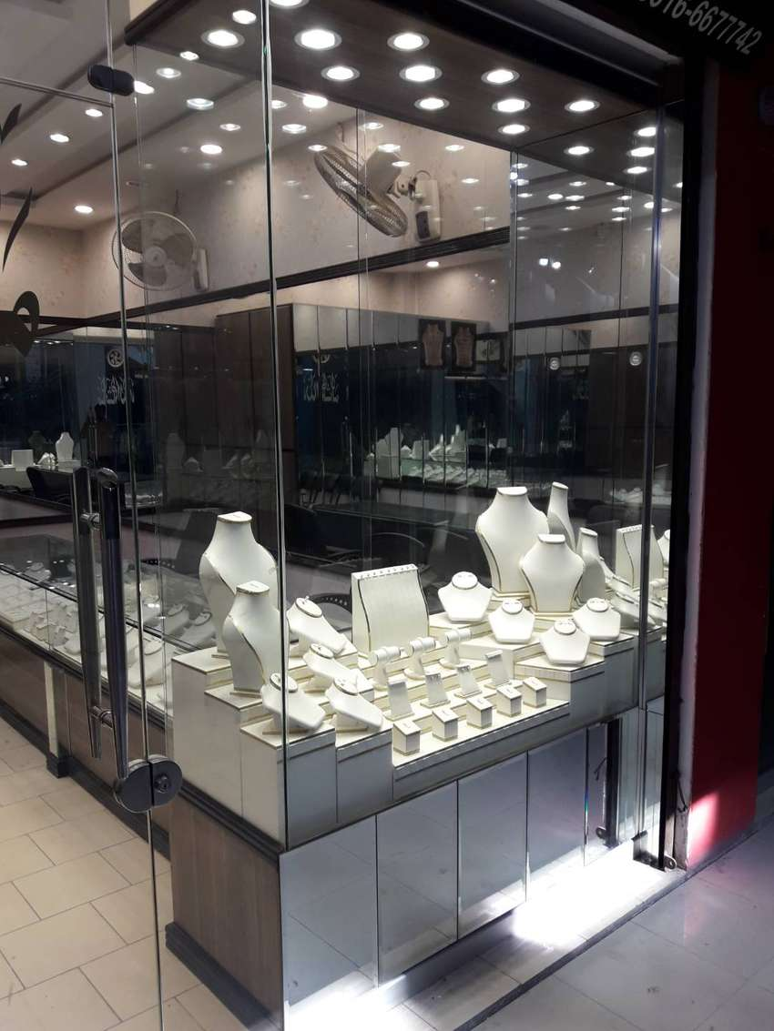 Complete SETTINGS for Jewelry Shop with all types of Display Stands 0