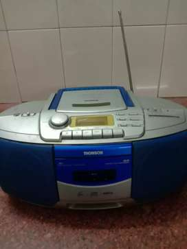 Thomson Digital VCD/MP3/CD player with radio in good working condition