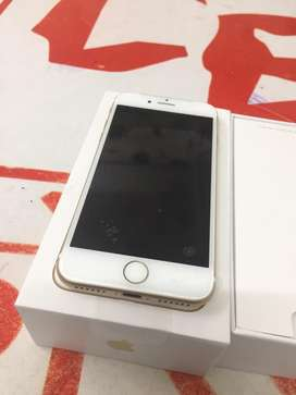 I am selling iphone 7 32gb with bill box 6 months sellers warranty