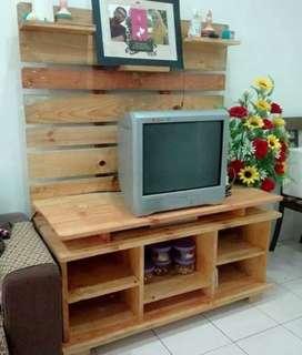Rak dinding tv kayu