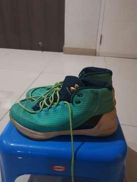 Sepatu Curry 3 Reign Water