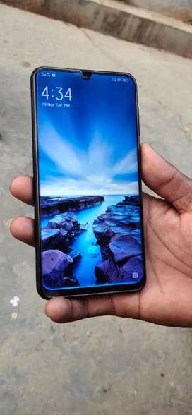 Vivo V11 mobile phone just fast ...sell